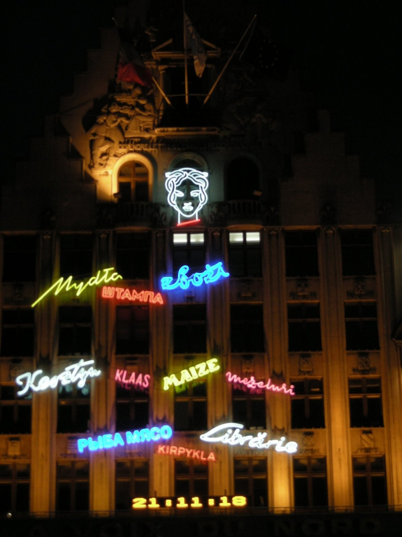 Neon lights - Page 3 Lille10