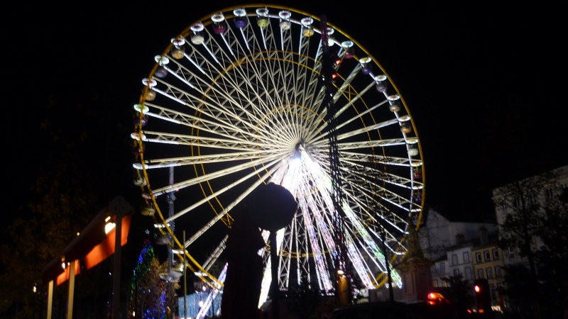 Illuminations de Noël à Clermont Ferrand - Page 2 P1080815