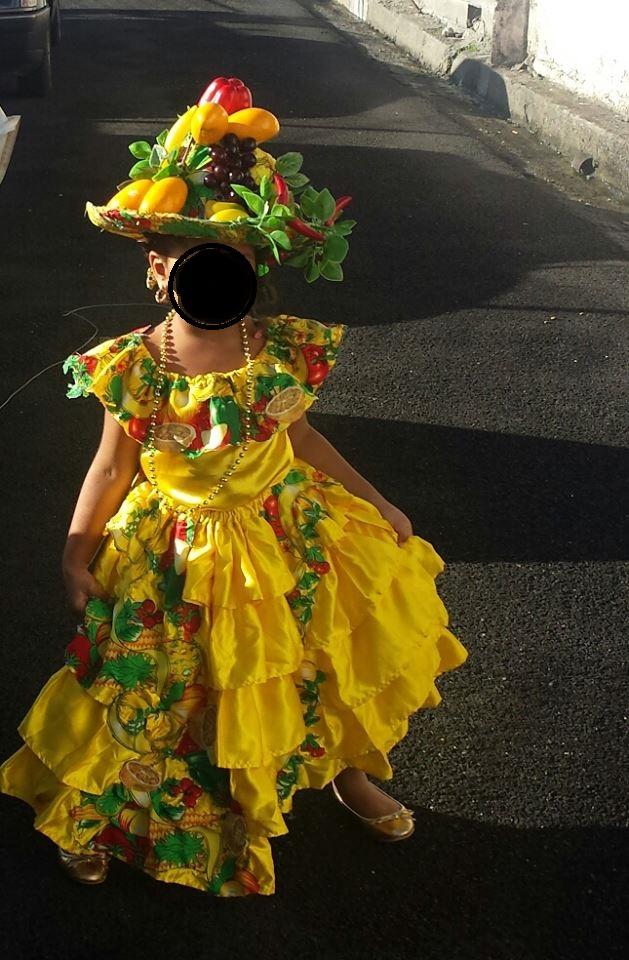 Les Costumes traditionnels de votre pays : Histoire, différences Homme/Femme, Pourquoi ? - Page 4 Jane10