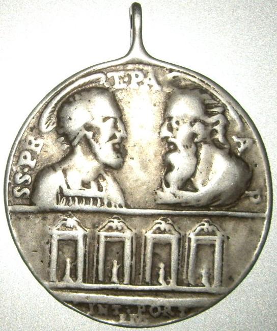 Médaille St-Pierre/St-Paul - revers Jésus/Marie - XVIIIème Imgp9623