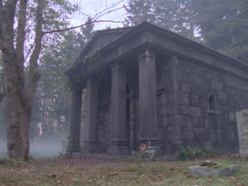 сериал Полтергейст мистическое здание