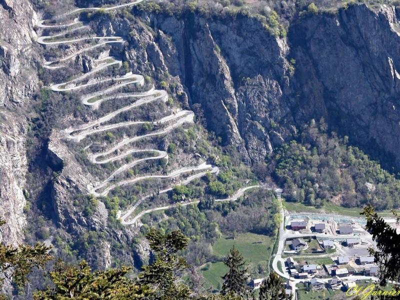 Les 18 lacets de Montvernier (Savoie) 10099310