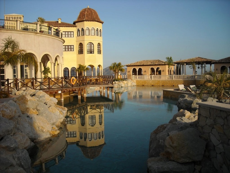 L'impressionnant village-hôtel Meliá Villaitana, Benidorm (Espagne) 21897910