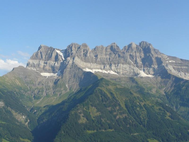 L'effondrement du Tauredunum en l'an 563 (Valais, Suisse) 25689910