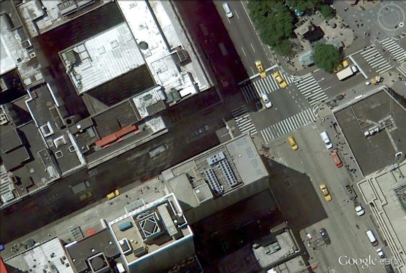 une adresse inscrite sur le toit d 39 un immeuble de new york. Black Bedroom Furniture Sets. Home Design Ideas