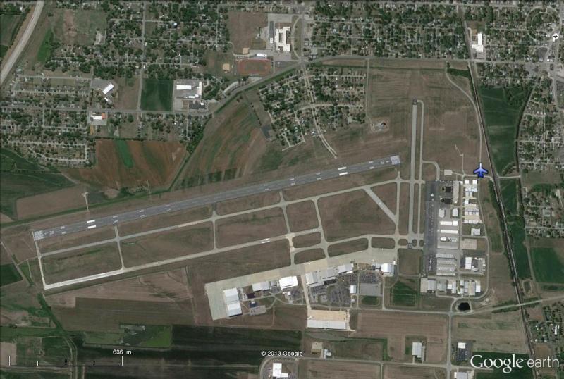 [STREET VIEW] Un avion-cargo FedEx termine son voyage dans un champ ! Alton10