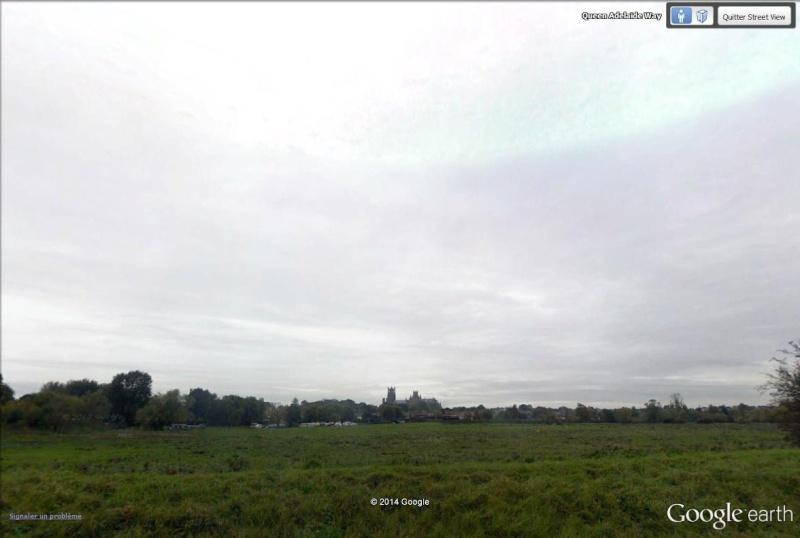 [STREET VIEW] Pochettes de disques dans leur milieu naturel Divisi10