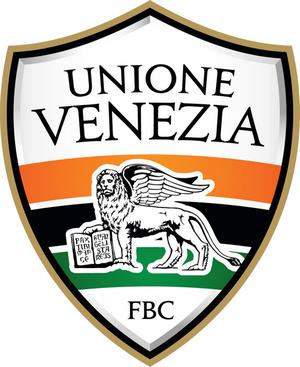 Venise : des installations sportives dans une ville-musée Fbcuni11