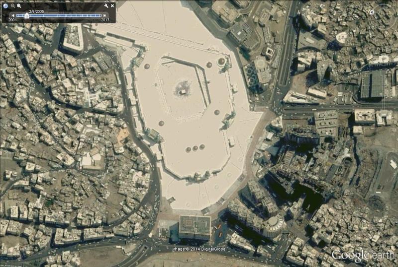 A la queue leu leu : les files d'attente humaines les plus longues Kaaba_10