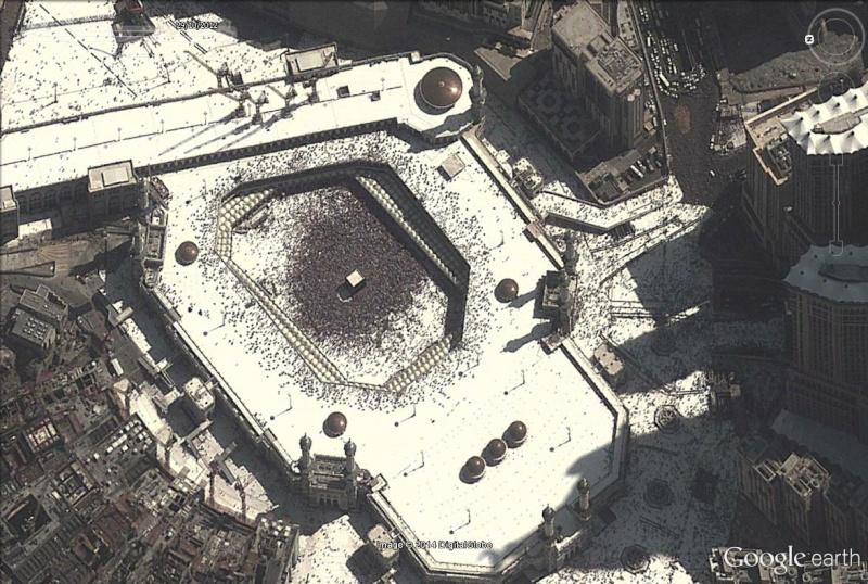 A la queue leu leu : les files d'attente humaines les plus longues Kaaba_18