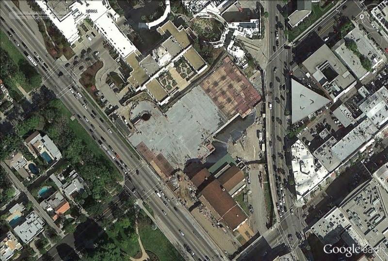 STREET VIEW : les palissades de chantier du Wallis Annenberg Center, Beverly Hills, Californie La10