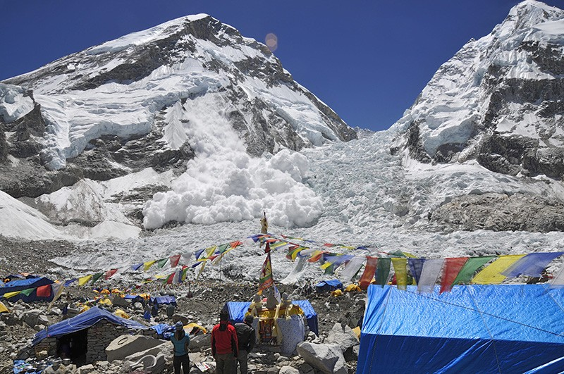 L'ascension de l'Everest Massiv10