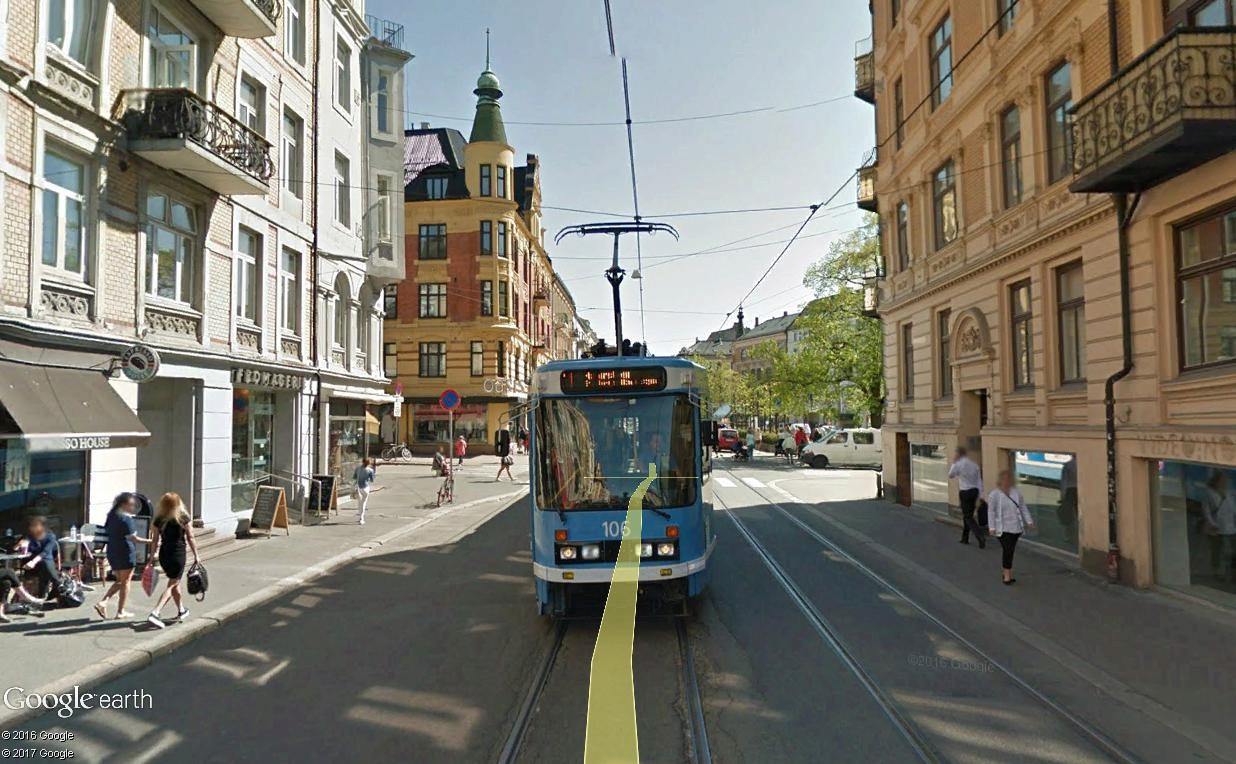 STREET VIEW : les tramways en action - Page 3 Oslo210