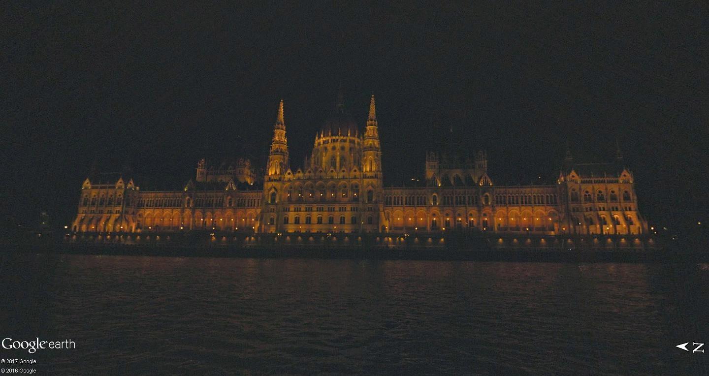 C'est beau Street View la nuit Parlem10
