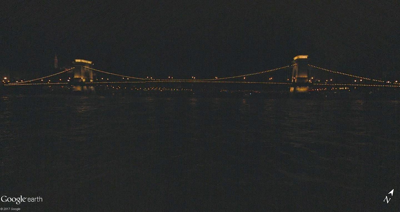 C'est beau Street View la nuit Pot10