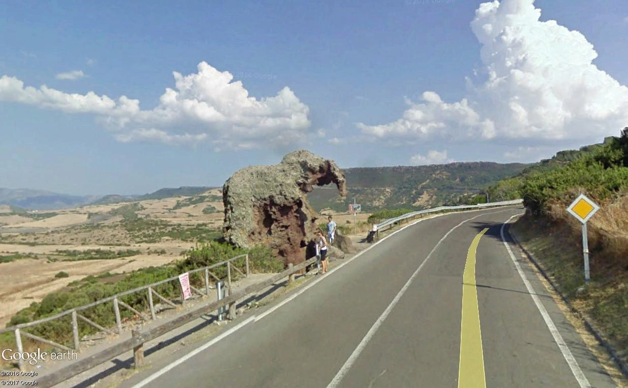 STREET VIEW : les facéties de Dame Nature Roccia10