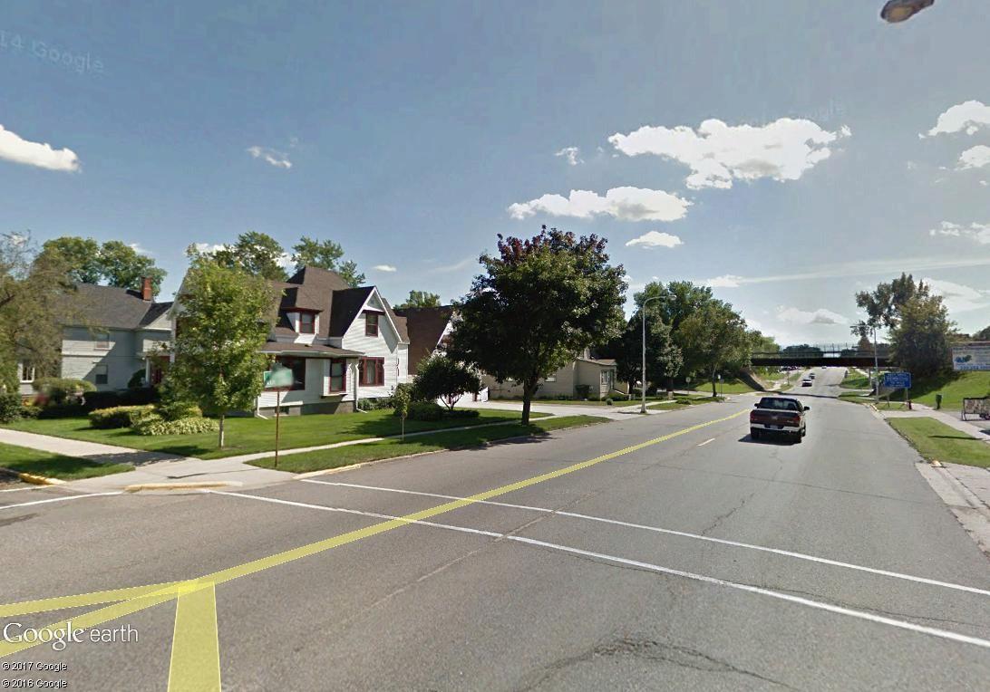 STREET VIEW : 2 sens de circulation = 2 saisons différentes vues de la Google Car ! [A la chasse !] - Page 4 Sauk_c10