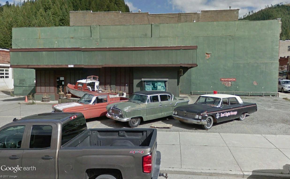 STREET VIEW : les vieilles voitures américaines - Page 4 Triple10