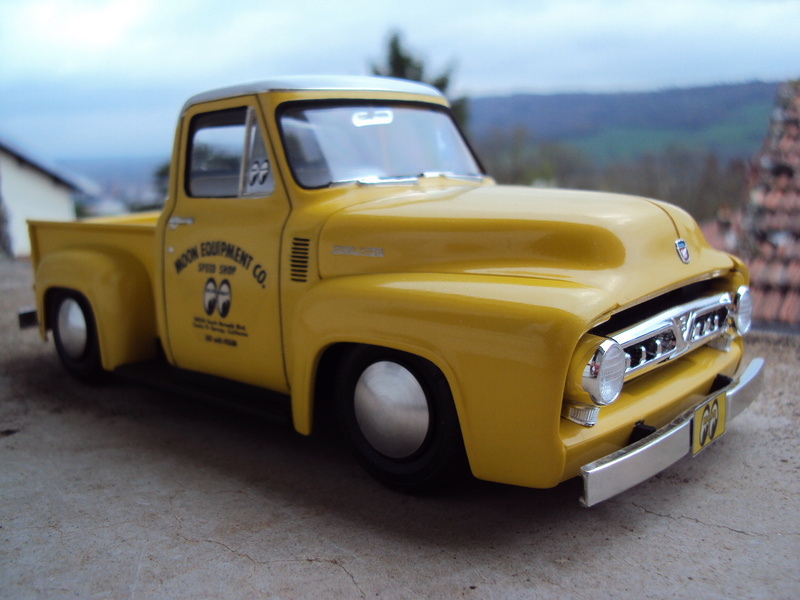 Ford F100 Moon shop truck Dsc05810