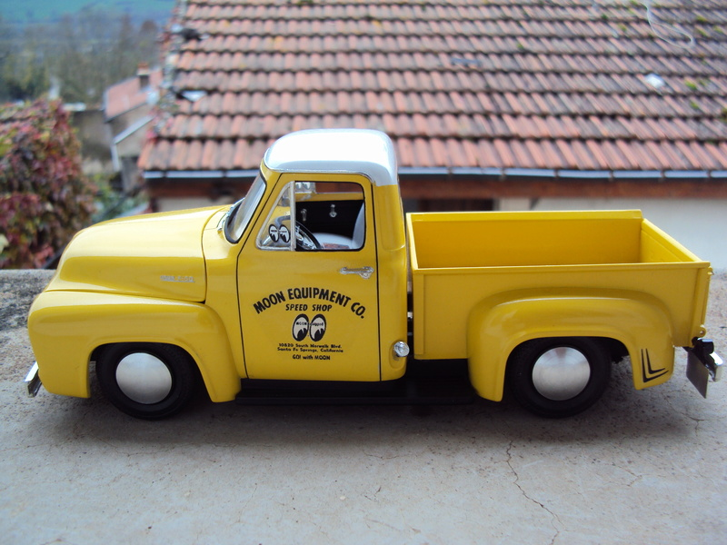 Ford F100 Moon shop truck Dsc05812