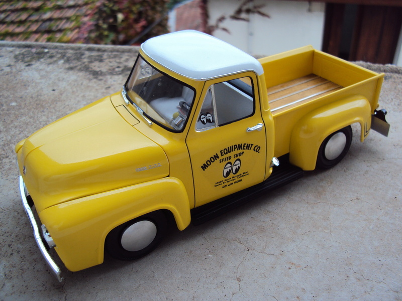 Ford F100 Moon shop truck Dsc05813