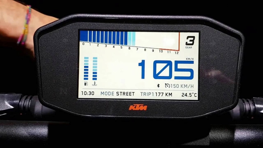 KTM 1290 Super Duke  Maxres10