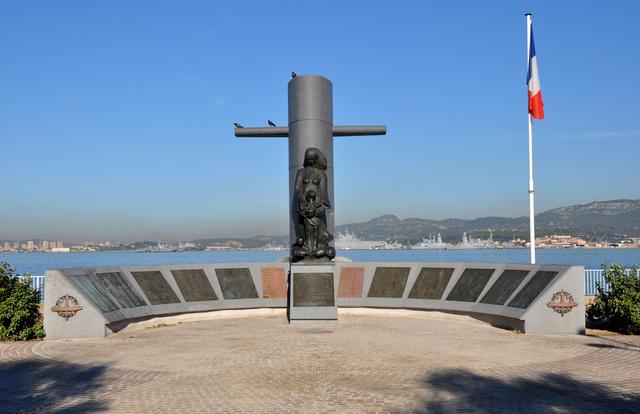 Souvenez vous : 1970 - 57 sous -mariniers périssent au large de Toulon Septem10