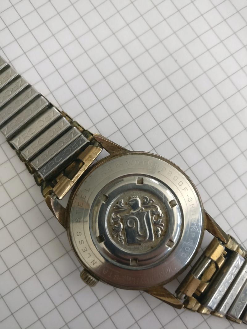 Jaeger -  [Postez ICI les demandes d'IDENTIFICATION et RENSEIGNEMENTS de vos montres] - Page 41 Img_2010