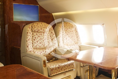 BAe Avro RJ100 00112