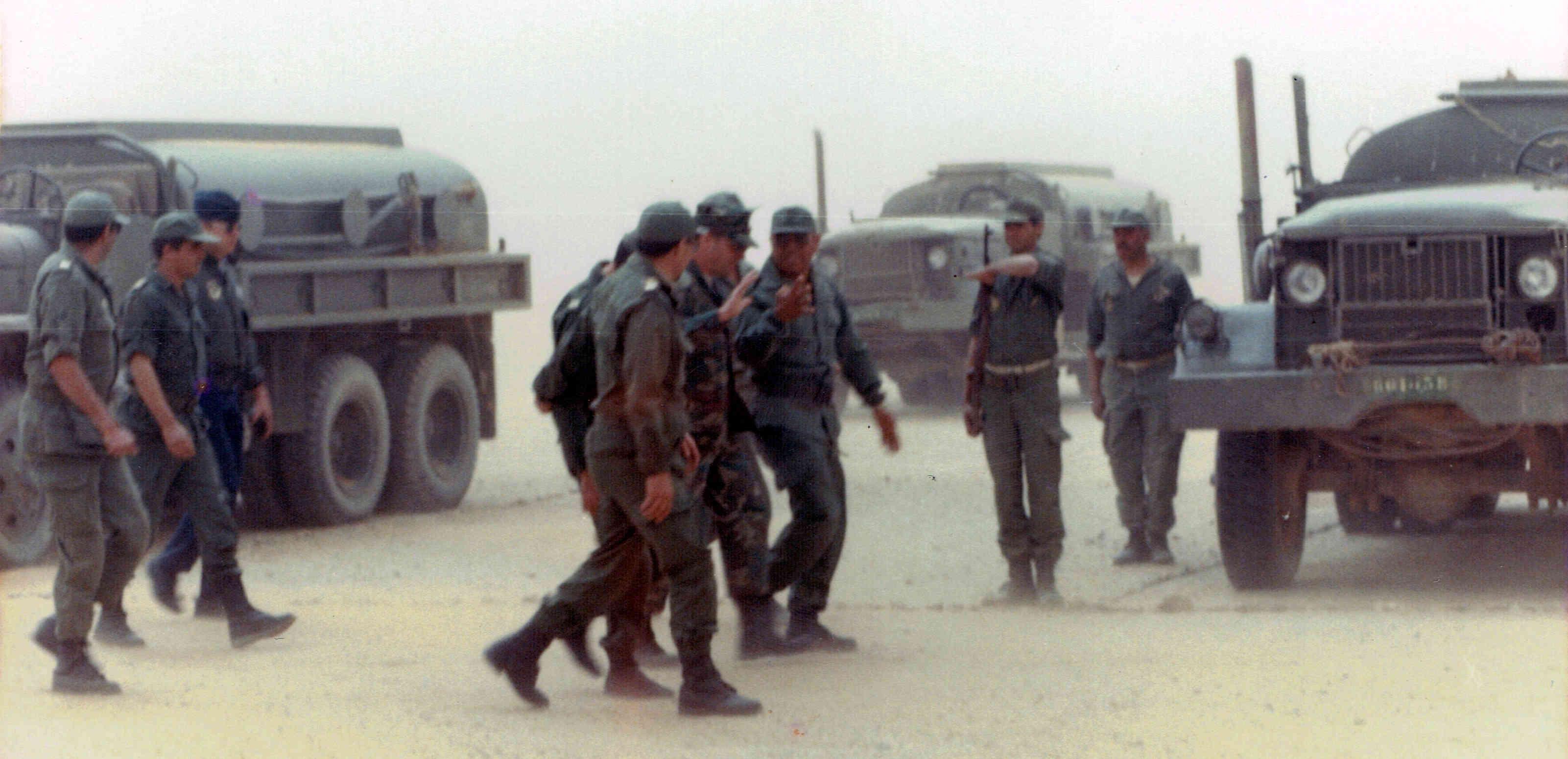Le conflit armé du sahara marocain - Page 10 Clipb110