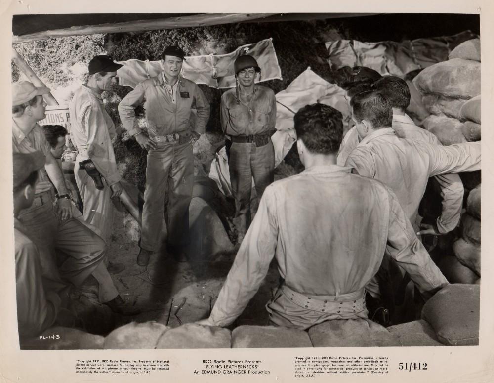 Les Diables de Guadalcanal - Flying Leathernecks - 1951 - Page 2 Wayn1047