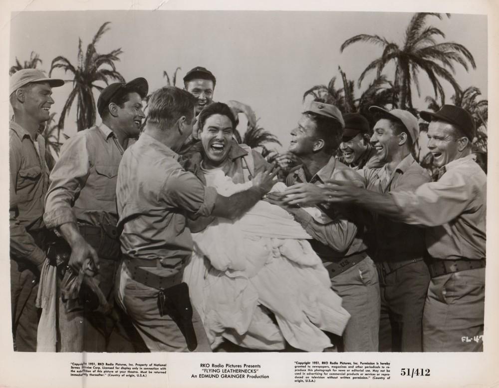 Les Diables de Guadalcanal - Flying Leathernecks - 1951 - Page 2 Wayne347