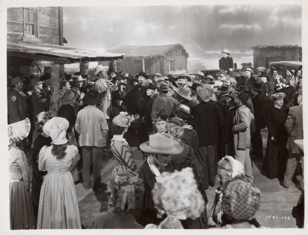 La Femme du Pionnier - Dakota - 1945 Wayne893