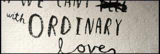 Ecco il nuovo video ufficiale di 'Ordinary Love'! Imagep10