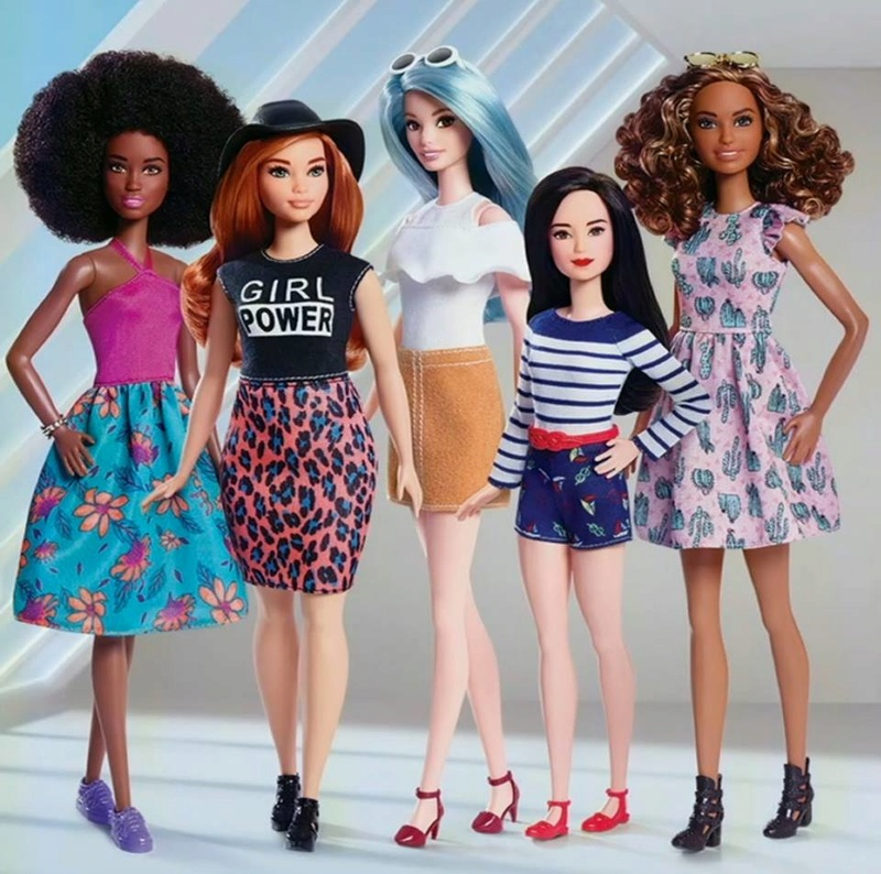 Barbie fashionistas 2017 News fin page 1 + Barbie carrière First-10