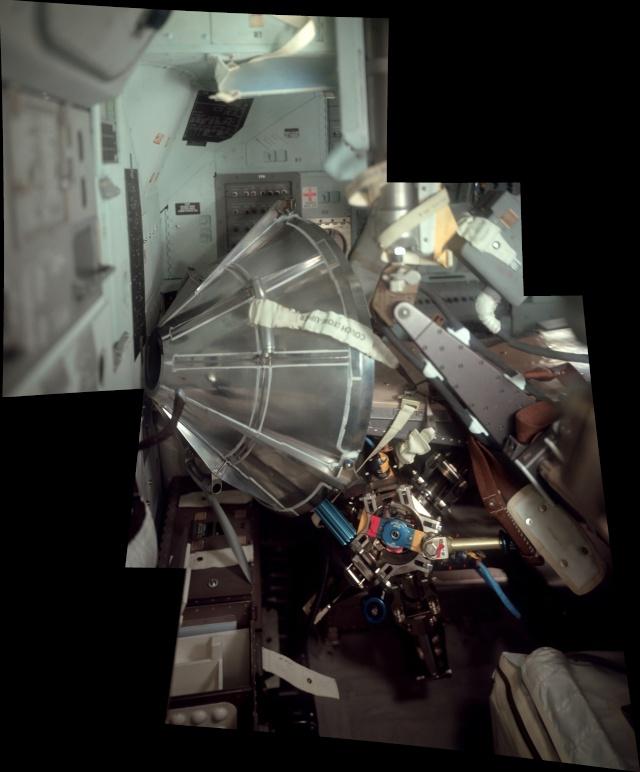 Photo de l'intérieur du LM Aigle, d'Apollo 11 A11-dr10