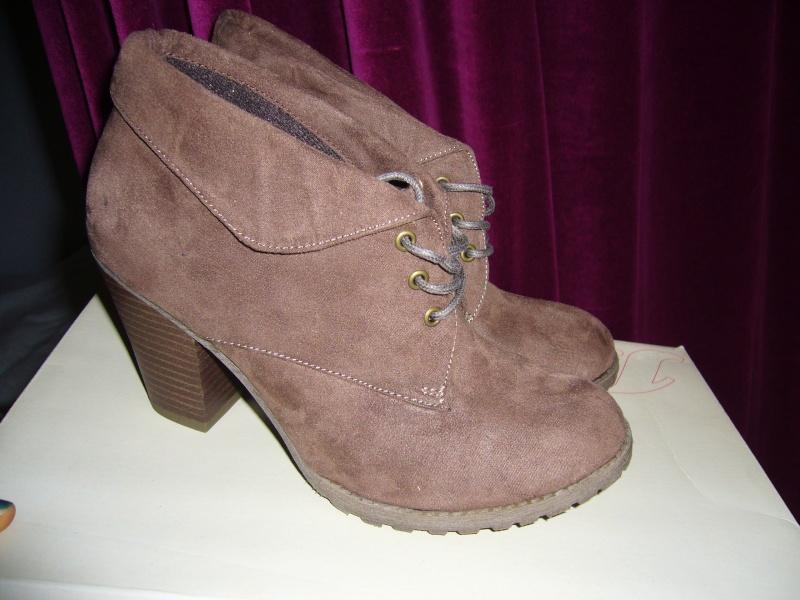 Chaussures diverses et neuves !  P1040111