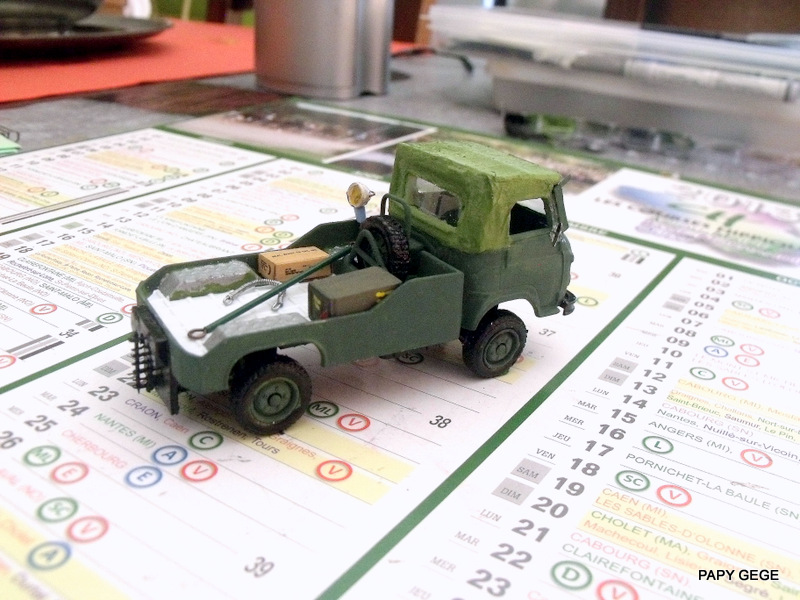 Tracteur de piste base Saviem 4x4 au 1/50 14-dsc16