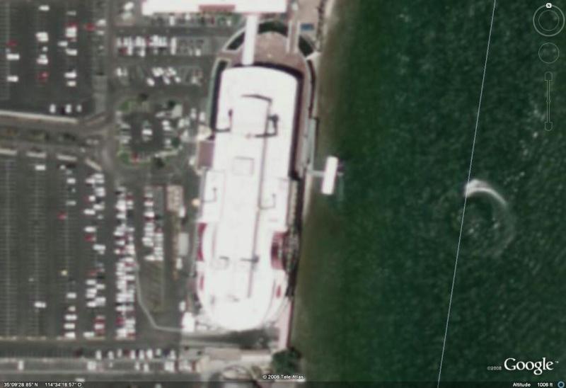 Landboat, Chicago, Illinois, USA Colora10