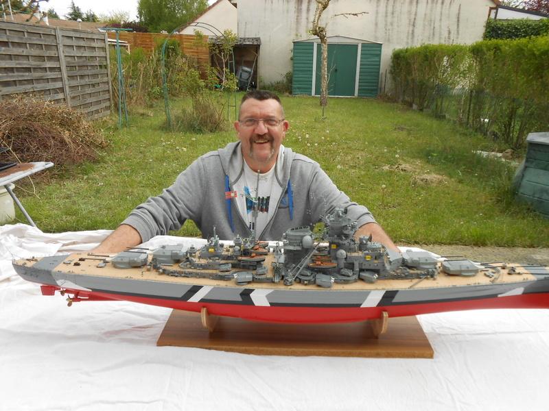 Cuirassé Bismarck au 1/200 Dscn7510