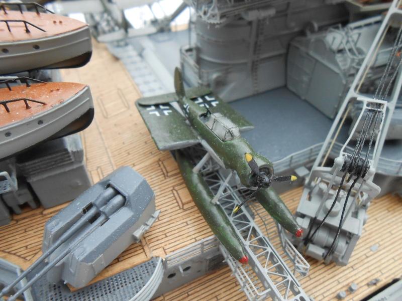 Cuirassé Bismarck au 1/200 Dscn7534