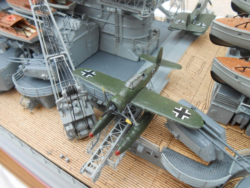 Cuirassé Bismarck au 1/200 Dscn7538