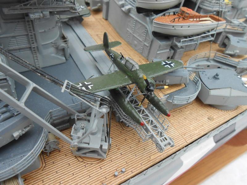 Cuirassé Bismarck au 1/200 Dscn7539