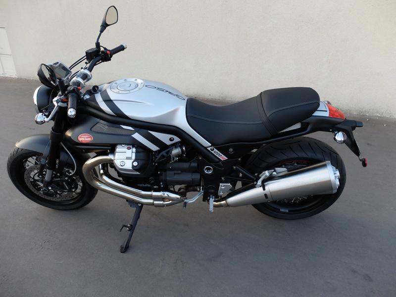Votre plus belle moto du monde. Dscf0310