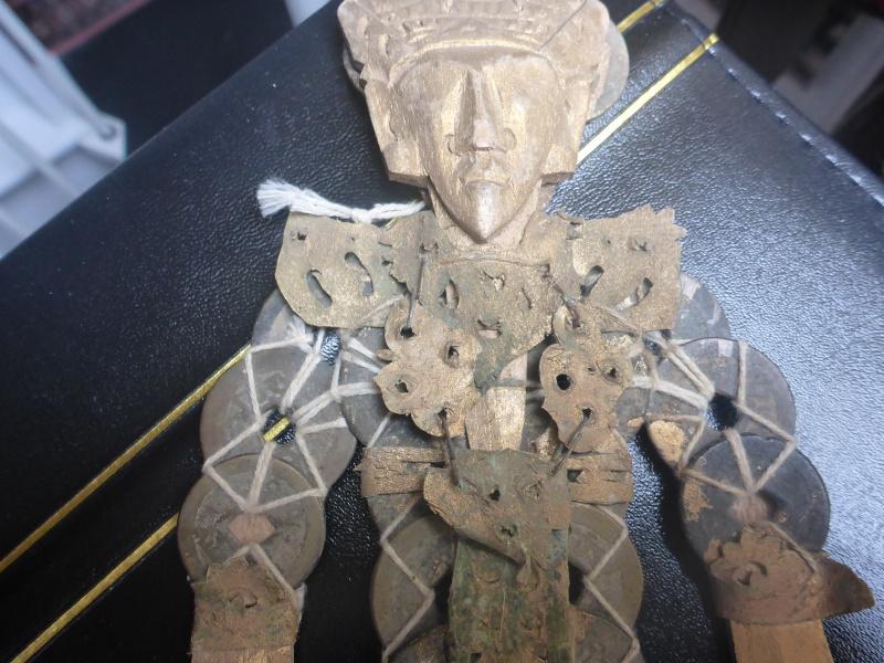 statuette en sapeques P1080913