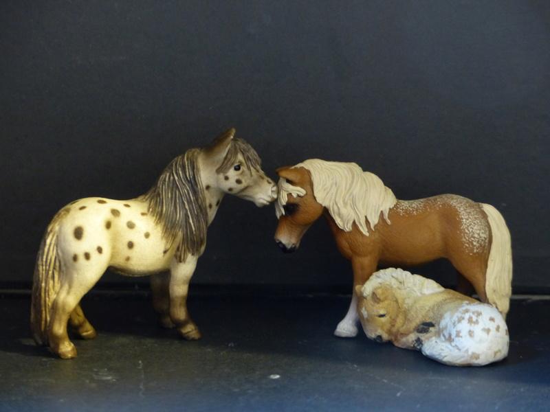 Schleichs en Vrac! (et autres chevaux à l'échelle) P1380610