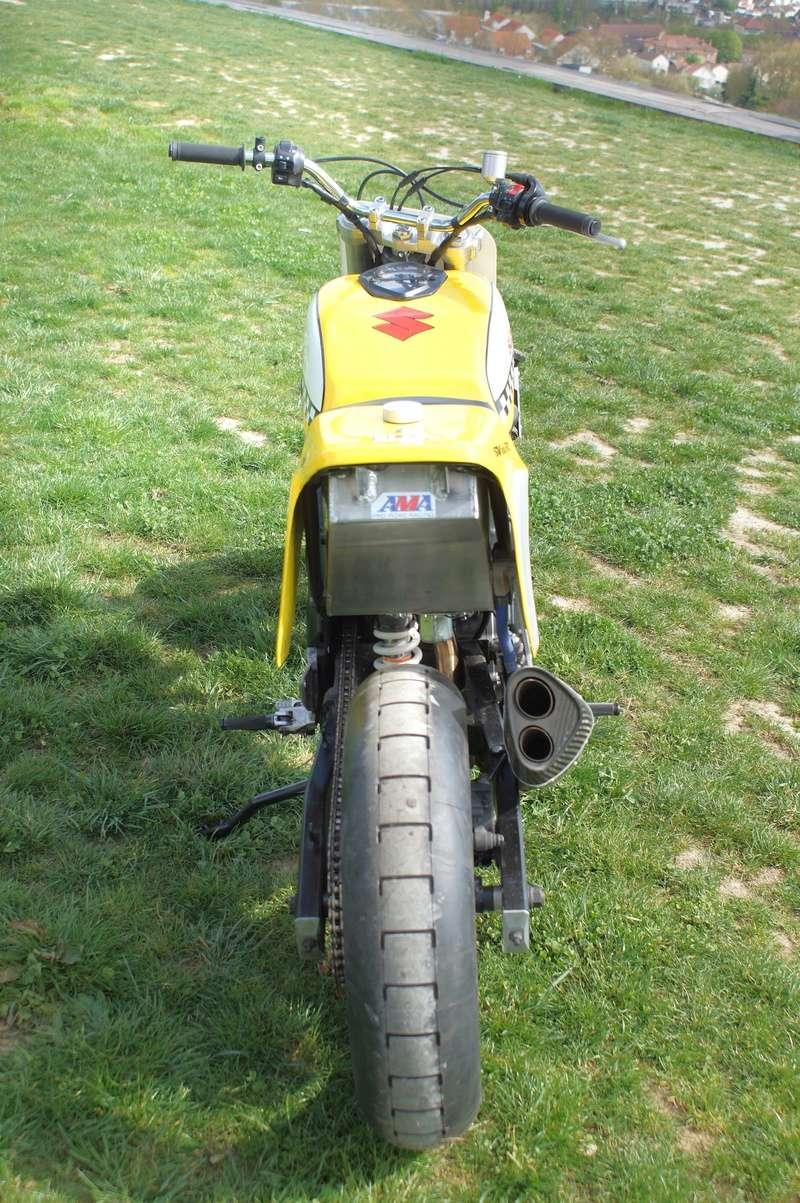 Suzuki 650 SV Flat Track Sv_tra15