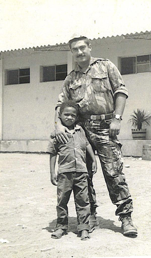 Faleceu o veterano Manuel dos Santos, Soldado Condutor Auto, da CCS/BArt2846 - 23Mar2009 Manuel14