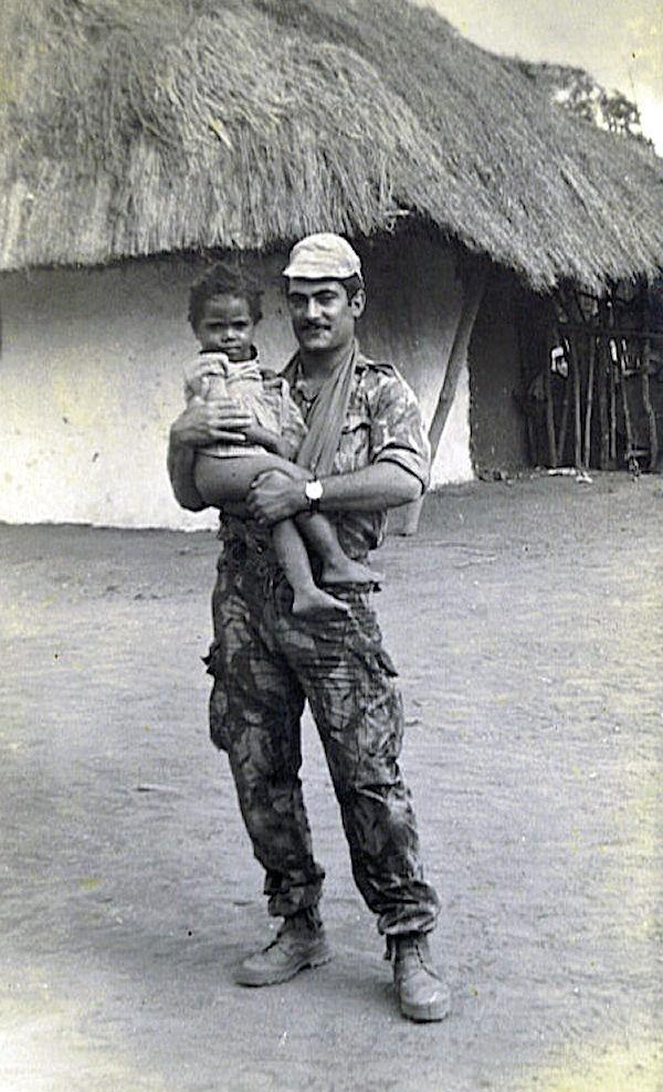 Faleceu o veterano Manuel dos Santos, Soldado Condutor Auto, da CCS/BArt2846 - 23Mar2009 Manuel16