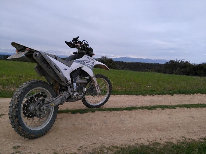 Retour sur ma Yamaha WR 250 R Img_2010